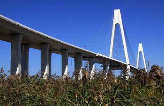 辽河特大桥防水层施工